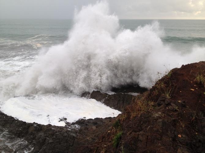 Beach-Waves-at-Uvita