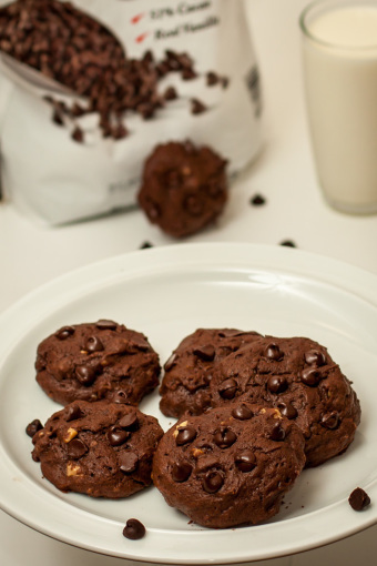 Triple Chocolate Chip Cookies 1
