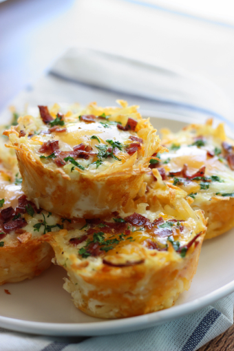 hash-brown-eggs-nests-with-avocado-2