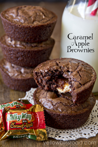 caramel-apple-brownie-cups
