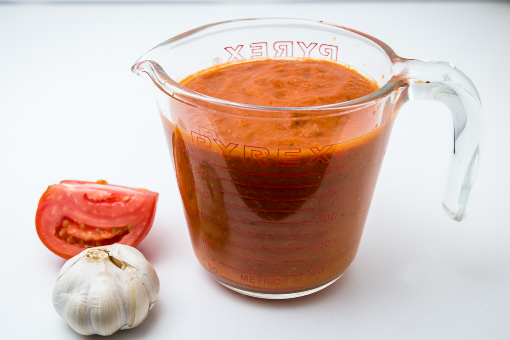 Tomato Sauce with Garlic