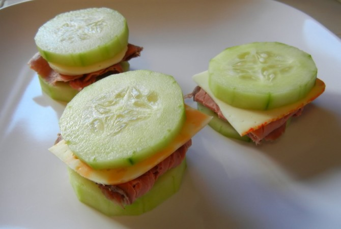 meat-and-cheese-cucumber-sandwiches-1024x690